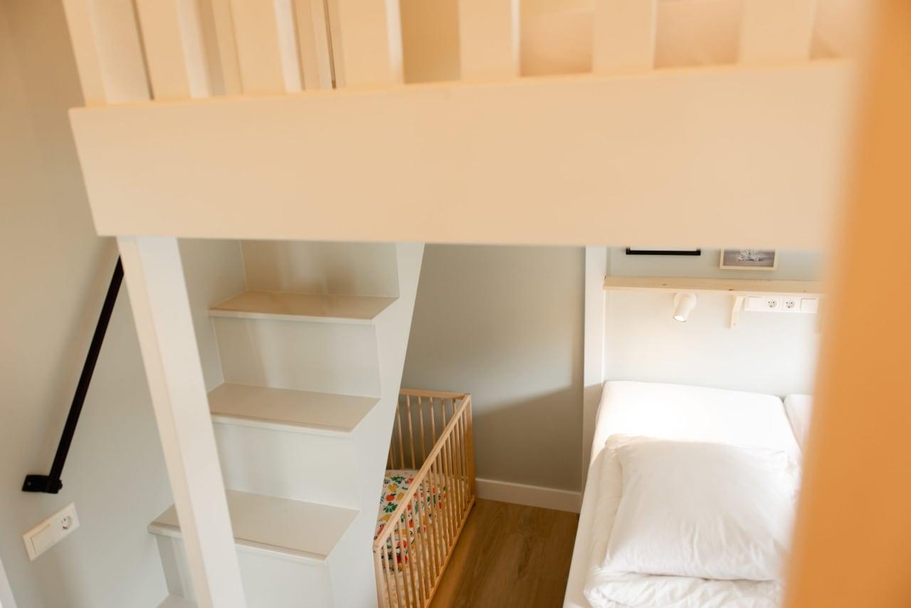 Noaber-tiny-house-kleilutte-11